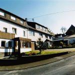 2 Wohnhäuser im Verbund in Uhler