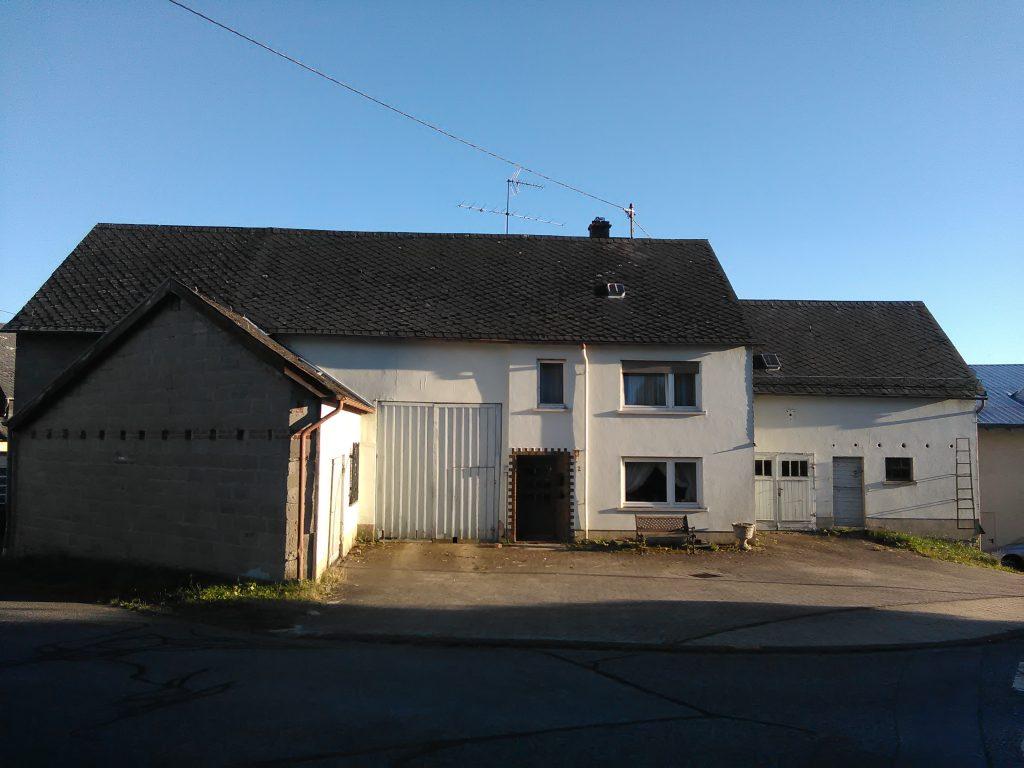 Wohnhaus mit Scheune in Bärenbach