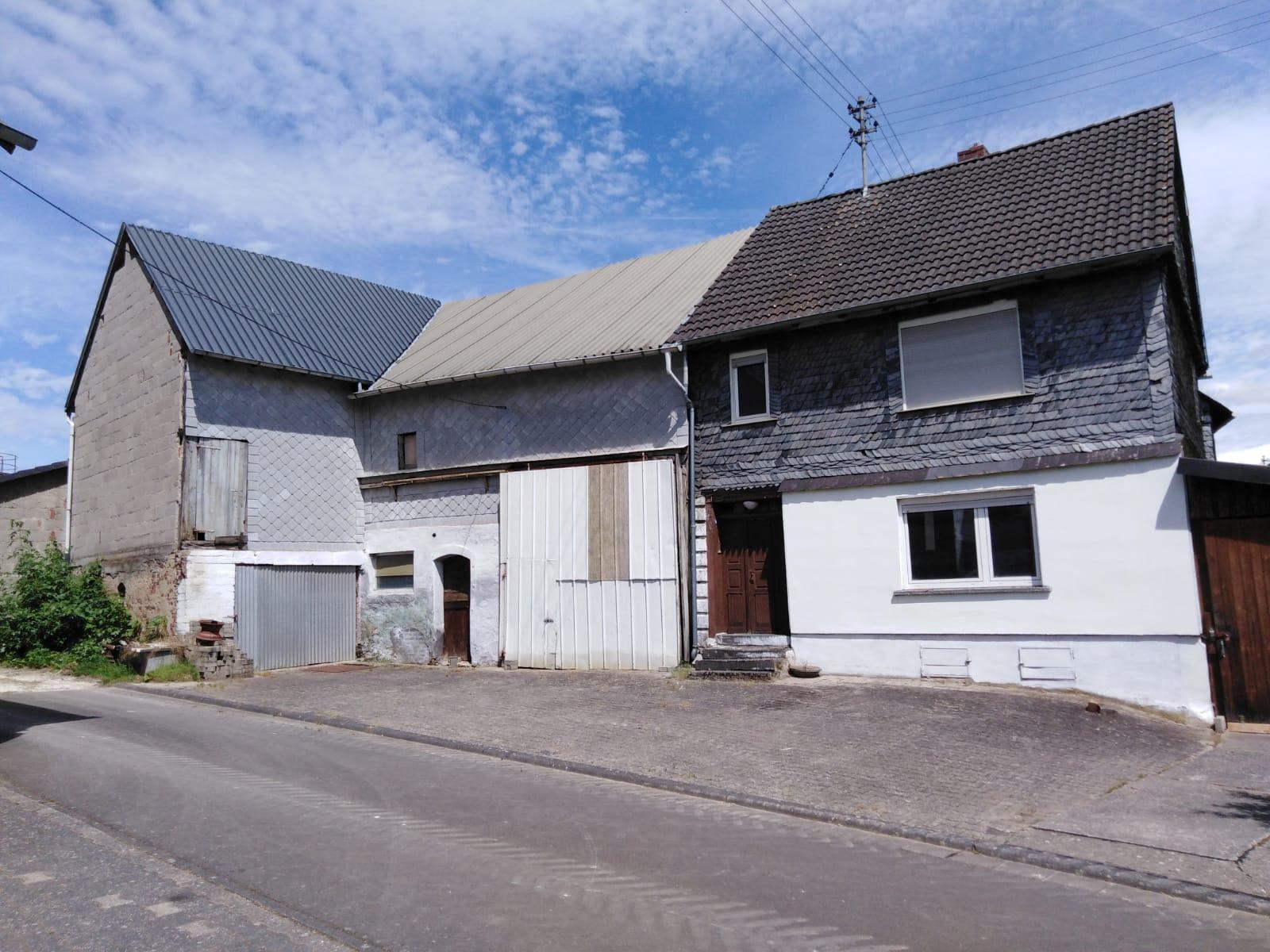 Wohnhaus mit Scheune in Nieder Kostenz